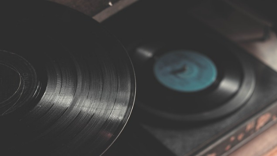 Download and listen to music for free: here's how