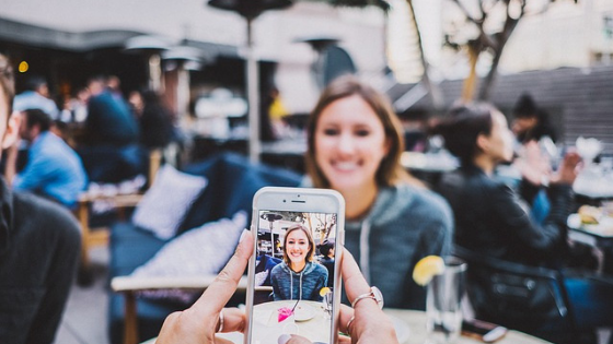 3 Best apps for adding text on photos for iOS and Android