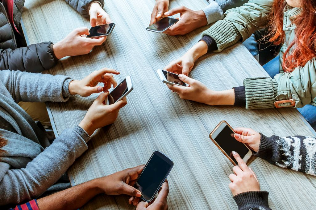 Even in dark mode, prolonged use of social networks can cause health damage