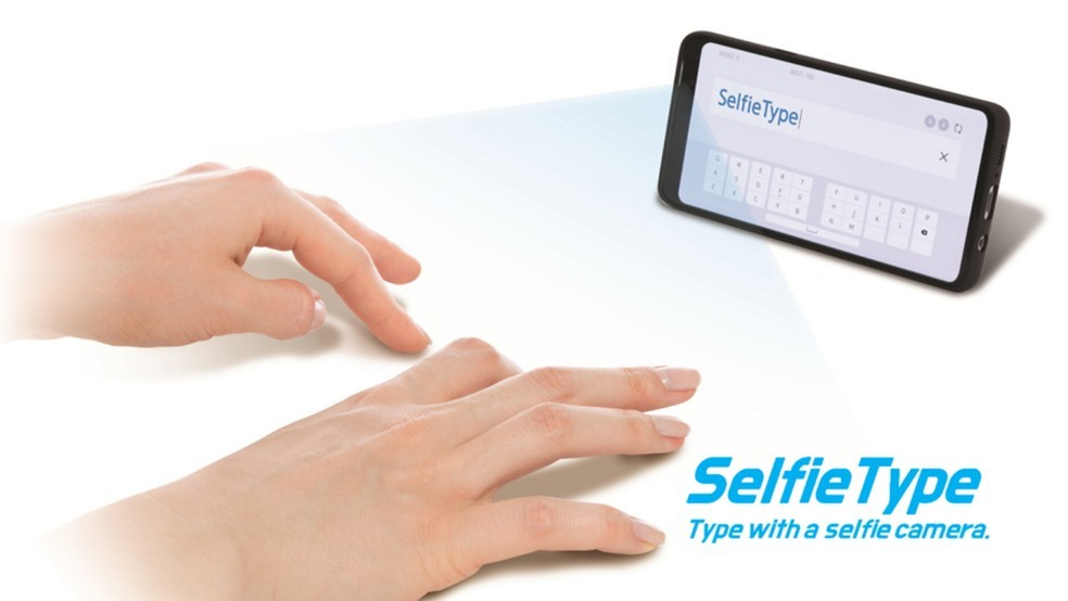 Samsung's SelfieType recognizes typing on any surface